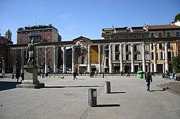 260px-5944_-_Milano_-_San_Lorenzo_-_Sagrato_-_Foto_Giovanni_Dall'Orto_-_27-Feb-2007